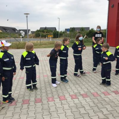Kleidung und Spaß für unsere Jüngsten