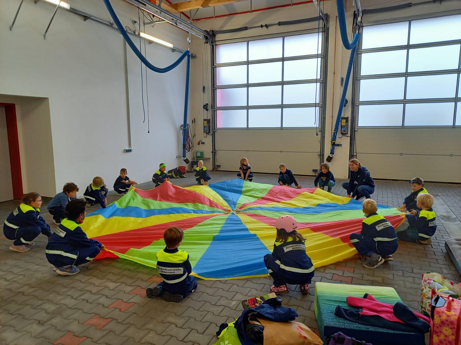You are currently viewing Übernachtung der Kinderfeuerwehr im Feuerwehrhaus